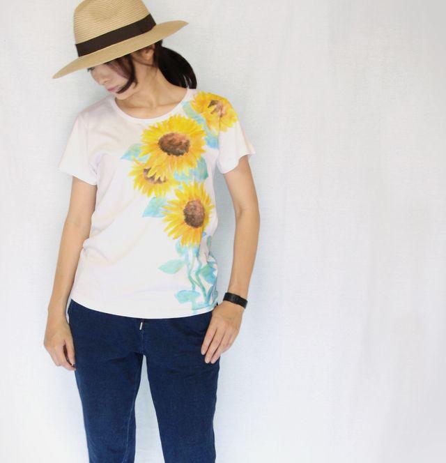 ひまわり柄レディース Tシャツ 手描きで描いた向日葵の花柄Tシャツ 夏 | ハンドメイドマーケット minne