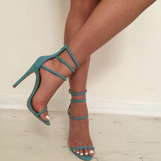 Blue heels Pinterest: @JENNY