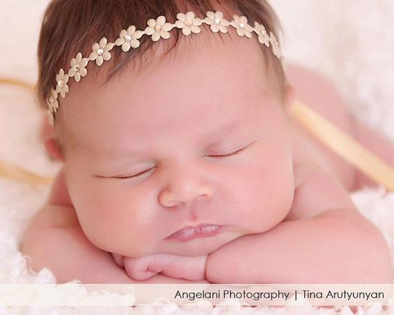 Beautiful delicate flower headband is perfect for newborn babies first photography, flower girls or for your special occasion. Very dainty and soft.