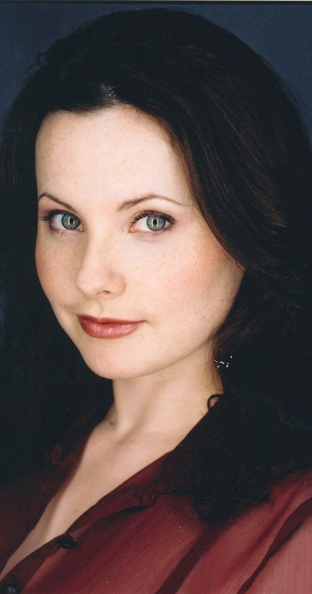 """TIL Alyson Court the actor who played on """"Big Comfy Couch"""" also played the voice for Claire Redfield in the RE series"""