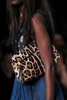 OUTFIT ANIMALIER: TENDENZA MODA AUTUNNO INVERNO 2015 2016 BY BURBERRY