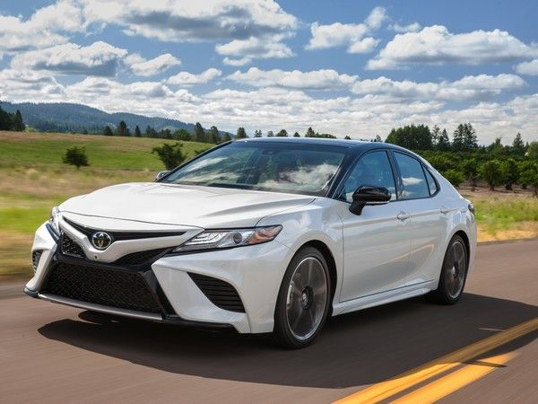 This Week In Car Ing Honda Accord Vs Toyota Camry Part Ii Inventories Hold Mercedes Benz Pushes Cpo Kbb Values On Autogravity