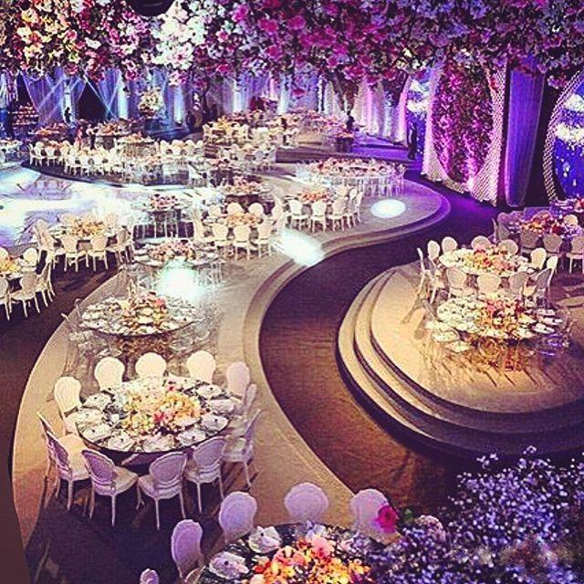 Floral heaven ! ••••••••••••••••••••••••••••••••••••• ▪Wedding planner : Caractere @caractere_events ▪Photographer : candid image @candid.image. ▪Visuals : eyeseeexperience @eyeseeexperience. ▪Floral decoration : Ikebana @ronibassil. ▪Wedding venue : Biel beirut •••••••••••••••••••••••••••••••••••• #waelanddiana @dianaezzeddine #Lebaneseweddings