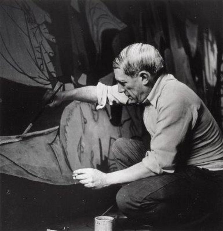 Rare photo of Picasso at work. Here painting ''Guernica'' Taken in 1937.