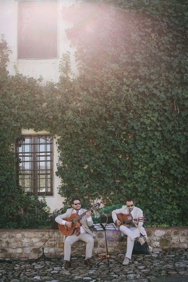 ALMA PROJECT 24/7  @ Fattoria La Loggia - Live Guitar Duo - Photography: Matteo Crescentini  - www.matteocrescentini.it/ Read More: http://www.stylemepretty.com/destination-weddings/2014/12/11/rustic-tuscan-fall-wedding/