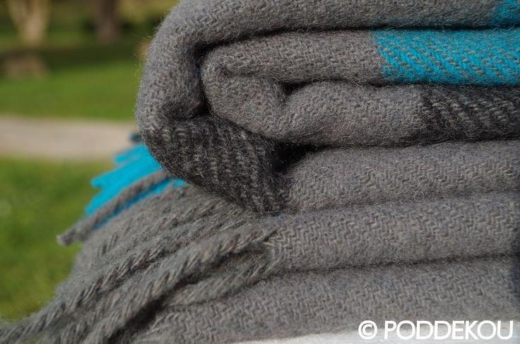 Károvaná deka sivo-modrá z ovčej vlny