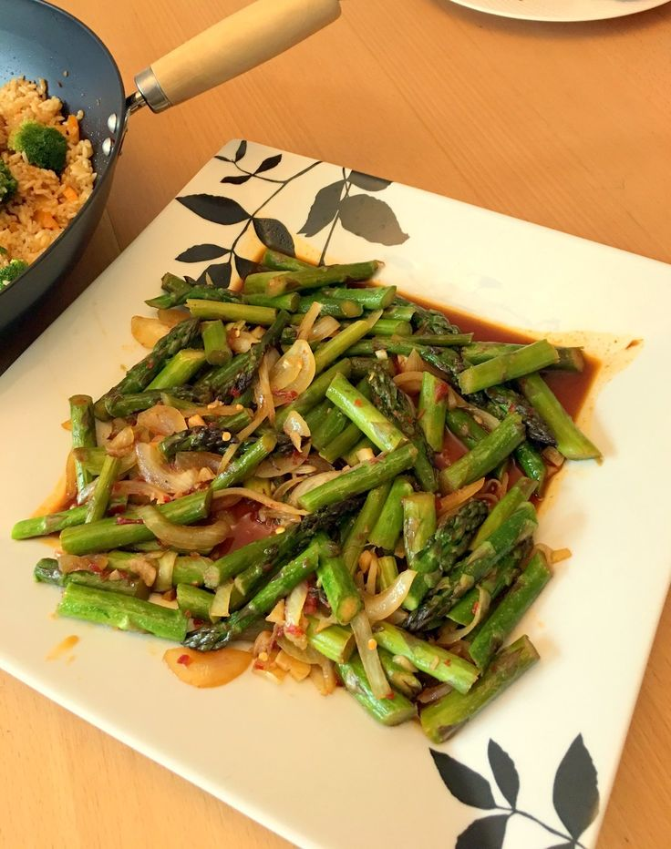 Spicy Asparagus Stir Fry (Indo-Chinese Fusion Recipe)
