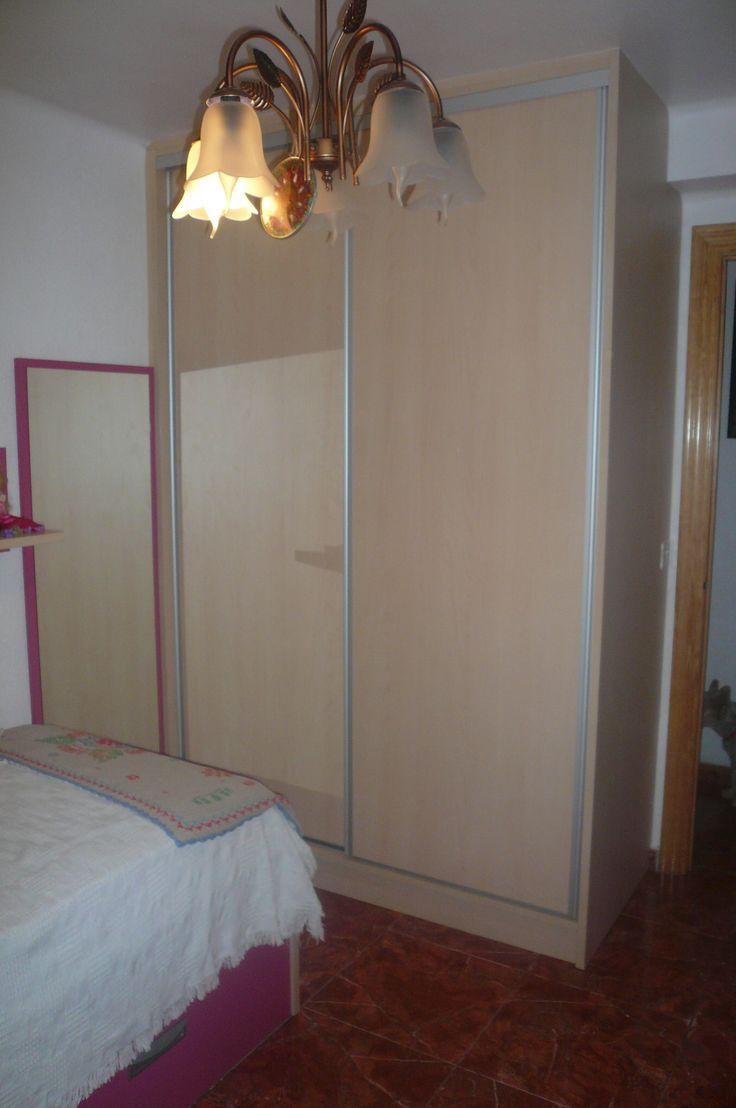 Armario empotrado dos puertas correderas con sistema de - Armario dormitorio puertas correderas ...