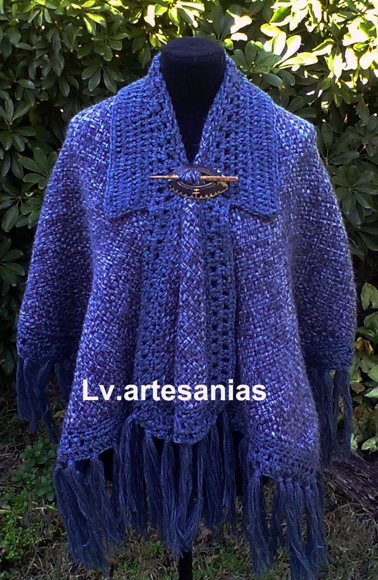 Ruana poncho en telar con terminaciones en crochet