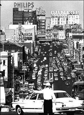 Kings Cross, Sydney, early 1960's. Great shot. ~ ~ ~ ~ ~ ~ ~ ~ Was there in the 60's