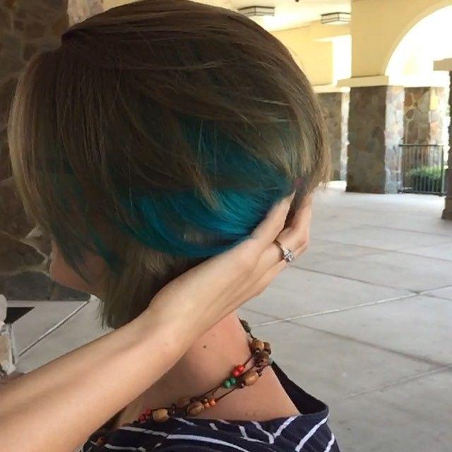 Adorable A-Symmetrical cut with added blue peek-a-boo foils :) #pixie #asymmetrical #fashioncolors #raw #pravana #blonde #slowmotion #haircolorvideo #orlando #orlandohair #hairstylist #1000orbust @nothingbutpixies  #nothingbutpixies #angledbob #pixiecut #pixiehair