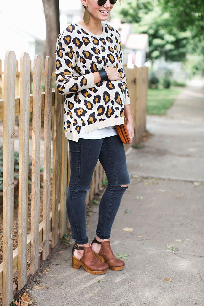 Leopard maternity sweater with jeans. Cute maternity! – Weetzie Bat – Schwanger Kleidung