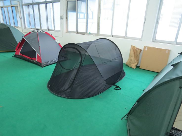 Pop up mesh tent, lightweight and easy to set up, very good ventilation for hot summer camping.