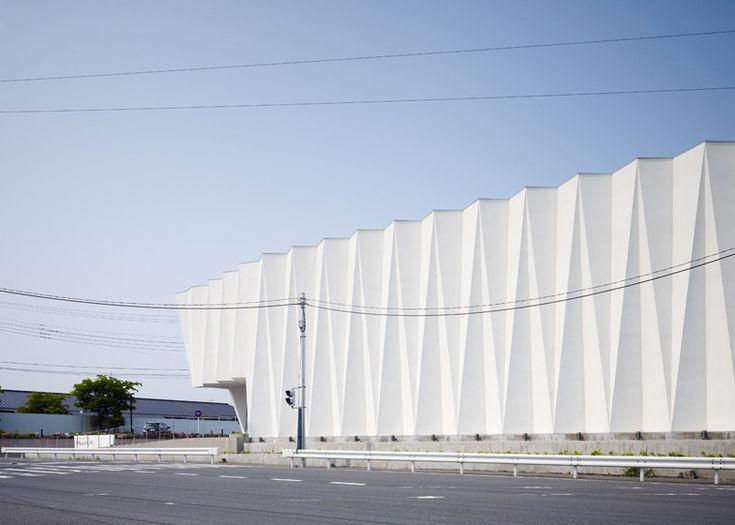 Pleats, Wedding centre by Hironaka Ogawa