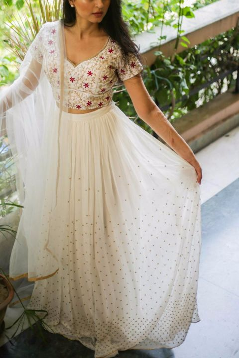 Buy CHAIYAAN CHAIYAAN_White chamcham lehenga with embroidered blouse