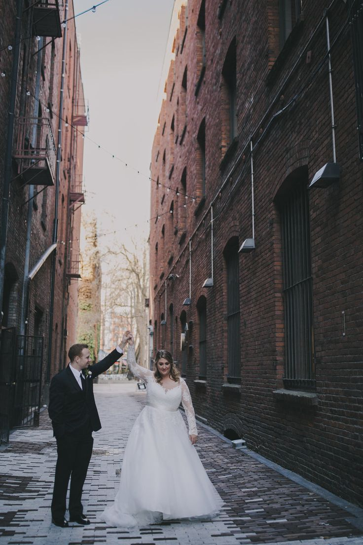 AXIS Pioneer Square Wedding | AXIS Pioneer Square Photos | AXIS Pioneer Square W…