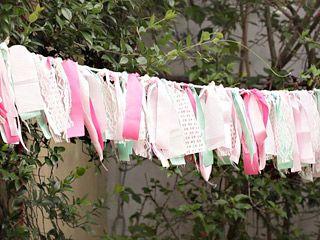 Manualidades y artesan as guirnalda con retazos de tela - Guirnaldas de tela ...
