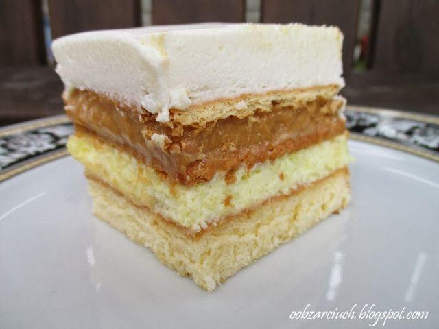 Smaczne budyniowo - krówkowe ciasto, na które każdy szef się skusi