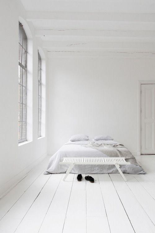 minimal, beautiful bedroom