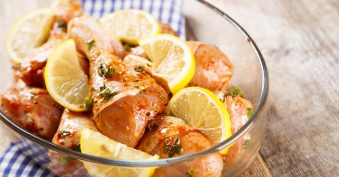 Recette de Poulet au citron et au miel minceur Croq'Kilos. Facile et rapide à réaliser, goûteuse et diététique. Ingrédients, préparation et recettes associées.