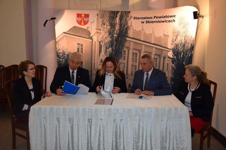 Prawie pół miliona złotych dla szkół w Głuchowie i Bolimowie