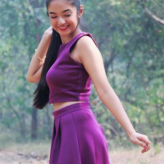 When you love food but also love to see your abs🤐 Sup @anushkasen0408 ⁉️