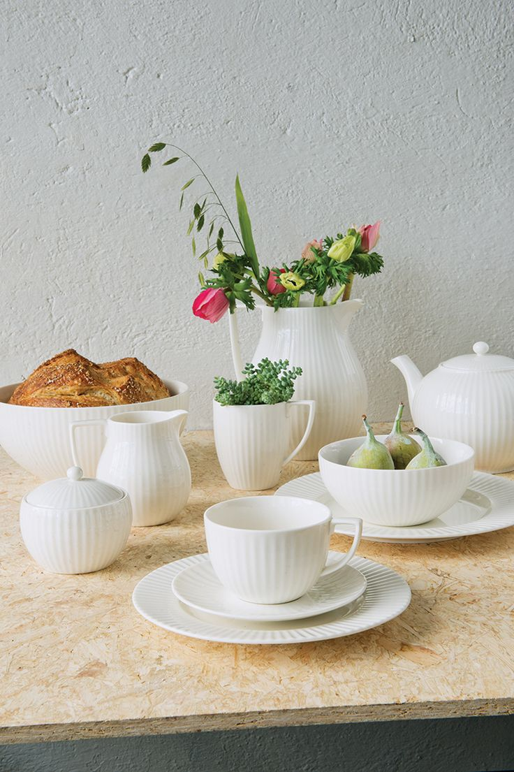 Brand new tableware series from talented designer Jasper Conran for Wedgwood. We're happy to include JC Tisbury to our collection of beautiful porcelain.