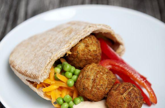 Fars pita med falafel