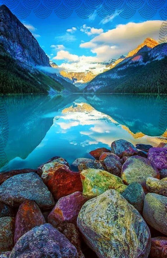 Louise Lake / Banff National Park / Alberta / Canada