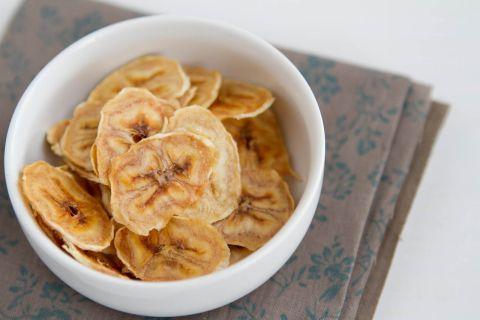 Baked Banana Chips | @naturallyella