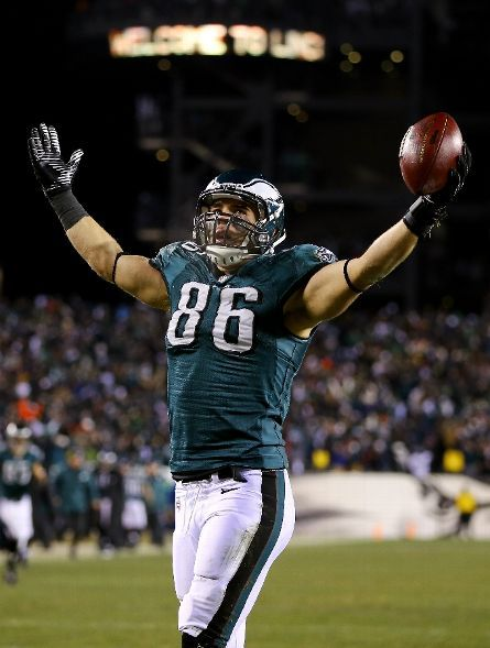 PHILADELPHIA, PA - JANUARY 04: Zach Ertz #86 of the Philadelphia Eagles celebrates after scoring a 3 yard touchdown pass from Nick Foles #9 in the fourth quarter against the New Orleans Saints to take the lead 24-23 during their NFC Wild Card Playoff game at Lincoln Financial Field on January 4, 2014 in Philadelphia, Pennsylvania. (Photo by Al Bello/Getty Images)