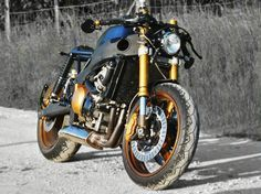 Kawasaki Ninja zx600r Cafe Racer