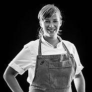 Kamilla Seidler. ¡La cocina puede cambiar el mundo! Gustu parte de una iniciativa de Claus Meyer, cofundador de Noma, para ofrecer alternativas a los jóvenes bolivianos a través de la cocina. Es escuela de negocios hosteleros y restaurante. ¿Su despensa? Bolivia entera #MFM14