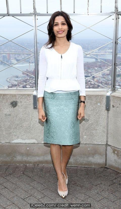 Freida Pinto visits the Empire State Building http://www.icelebz.com/events/freida_pinto_visits_the_empire_state_building/