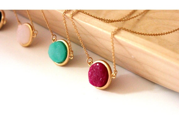 Druzy Pendants: Druzy Pendant, Gold Chains, Simple Chains, Gold Simple, Gems, Colors, Clothing Accessories, Bridesmaid Gifts, Accessories Jewelry Scarves