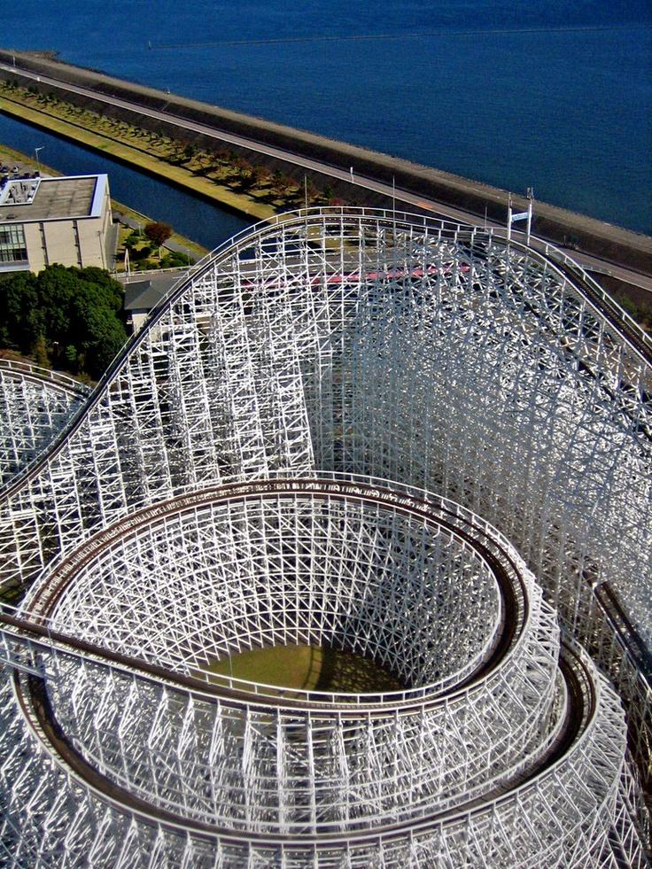 White Cyclone roller coaster at Nagashima Spaland. #mie #japan