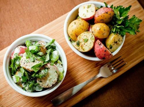 Potato Salad Two Ways: Healthy Yummmm, Vegans Potatoes, Potatoes Salad, Yummy Food, Healthy Eating, Vegans Side, Health Recipes, Healthy Recipes, Healthy Food