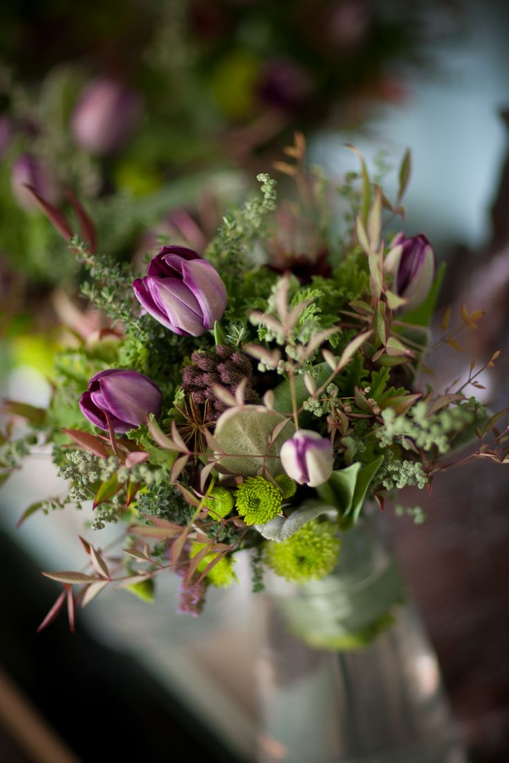 OKASIE | Picked flower posy used for aisle detail.