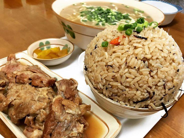 驚愕なボリューム⁉︎ 沖縄のどデカ盛り食堂『元氣処 33そば』