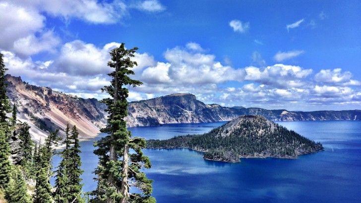 El Lago Del Crater Montanas Parque