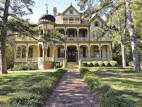 Texas Queen Anne Victorian mansion. Goodness gracious!