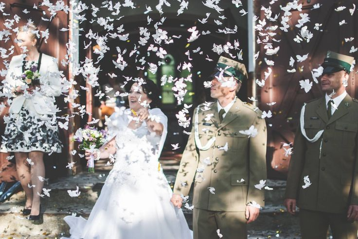 Confetti cannon with butterflies #weding #weddingday #slowwedding #bohowedding