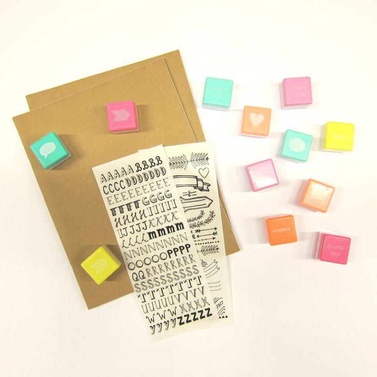 Bij HEMA vind je alles om je schoolspullen echt bij jou te laten passen. Met deze stempels en stickers versier je je schriften helemaal zelf!