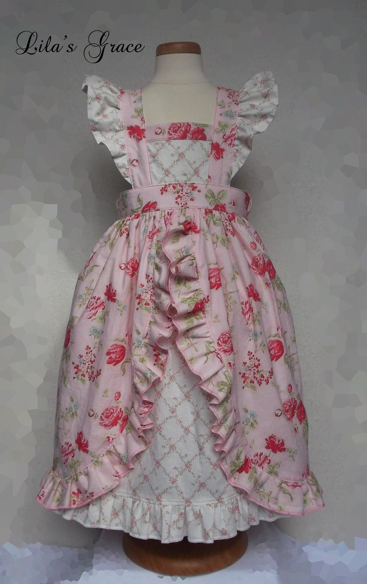 """Adapted from the BOO! Designs """"Pinny"""" pattern"""
