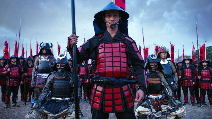 Les techniques de combat et le code d'honneur des samouraïs ont inspiré la littérature et le cinéma. Ce documentaire-fiction révèle la réalité occultée par le mythe.