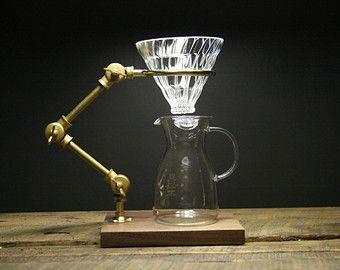 Der Professor V60 Kaffee übergießen Stand von TheCoffeeRegistry