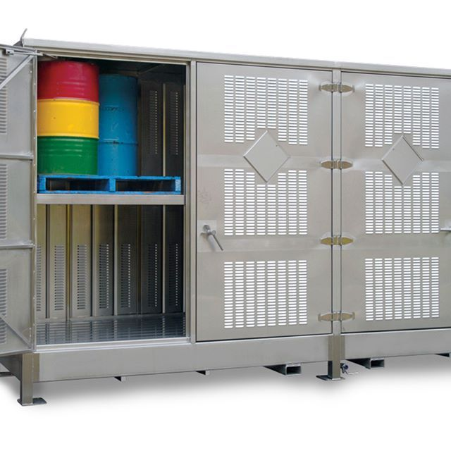 8 pallet relocatable Dangerous Goods store. This dangerous goods store has the capacity to hold 32 x 205L drums and was constructed from 316 #stainlesssteel   Manufactured and engineered by #STOREMASTA