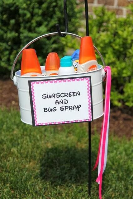 Sunscreen & bug spray bucket - Great idea for picnics and parties or backyards or camping | Shared by Fireman's Finds