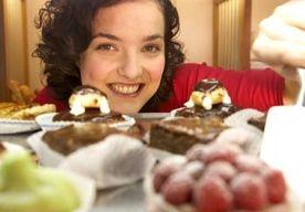 13-May-2013 14:13 - TAART LAAT ALARMBEL AFGAAN BIJ VROUWEN AAN DE LIJN. Vrouwen die succesvol lijnen, zijn veelal in staat een stuk taart te laten staan. Onderzoekers van de Universiteit Utrecht en het UMC Utrecht…...