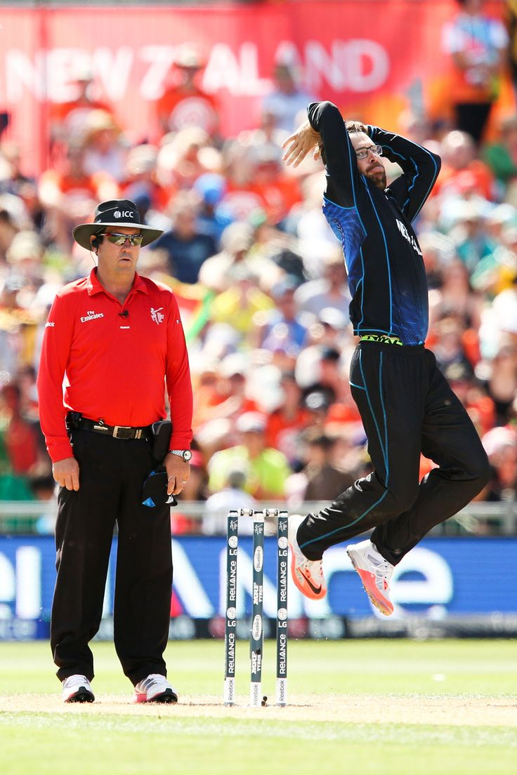 Daniel Vettori winds up to deliver, New Zealand v Afghanistan, World Cup 2015, Group A, Napier, March 8, 2015
